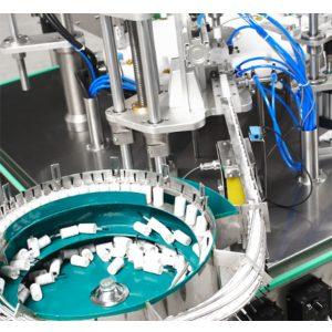 Automaatne küünelakkide täitmise ja sulgemise masin